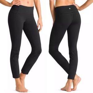 Athleta Straight Up Capri Leggings Black